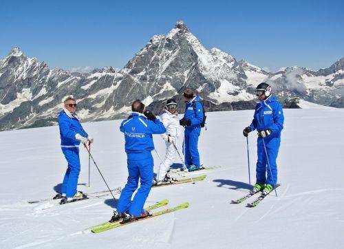 Ski Tester sulla Gobba di Rollin a Cervinia
