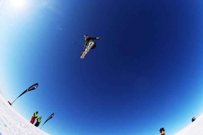 Jamie Anderson e Max Parrot vincono i big air di Coppa del Mondo di snowboard a Copper Mountain