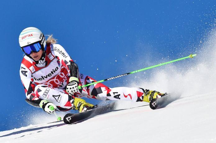 Eva-Maria Brem in testa alla prima manche del gigante di St. Moritz
