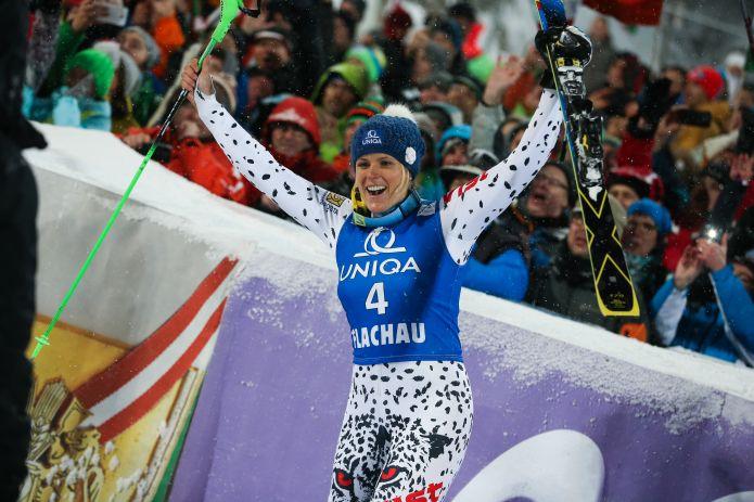 Nello slalom di Flachau domina la svedese Hansdotter