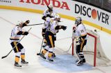 NHL: Chicago abdica, Blues e Predators ai quarti di finale