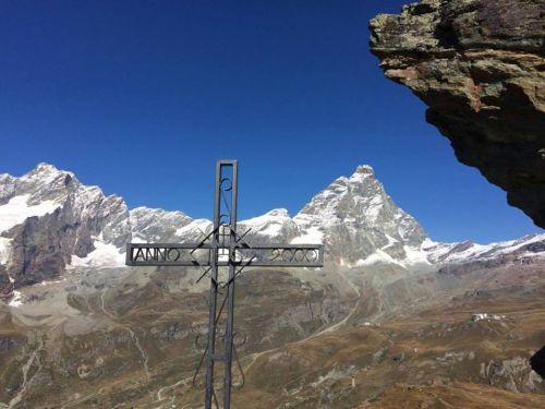Muoiono sul Cervino due alpinisti, sempre guide