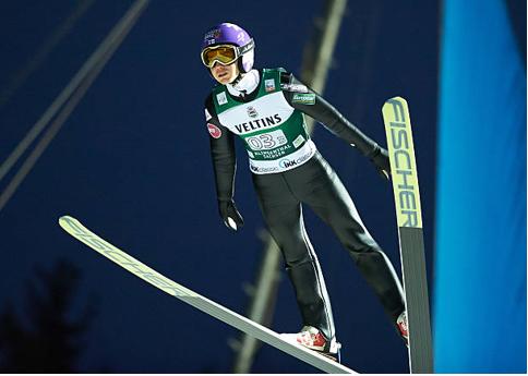Il ribelle del salto finlandese ci ritenta : Harri Olli alla prova dell'ennesimo tentativo di redimersi .