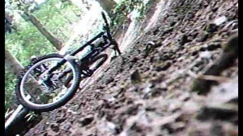 downhill sestola crash - incidente lungo la pista di dh