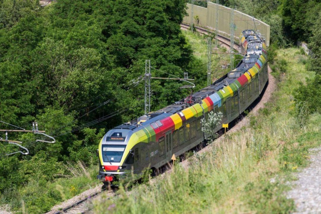 Ski Pustertal Express, il treno delle dolomiti collega Plan de Corones e le Dolomiti di Sesto