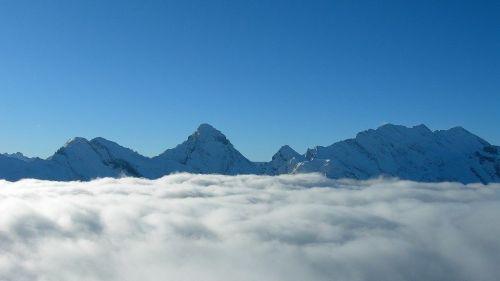 jungfrau tra le nuvole