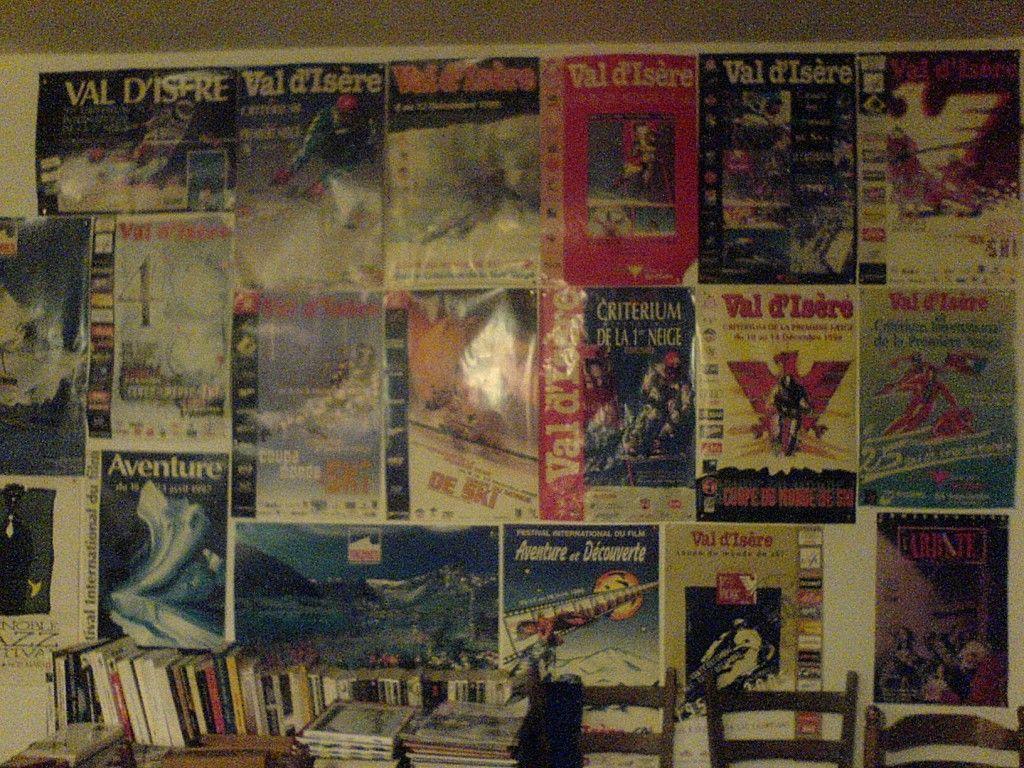 i poster appesi in albergo. Avranno anche appeso il poster di località scelta per l'aperura stagione di Neveitalia?