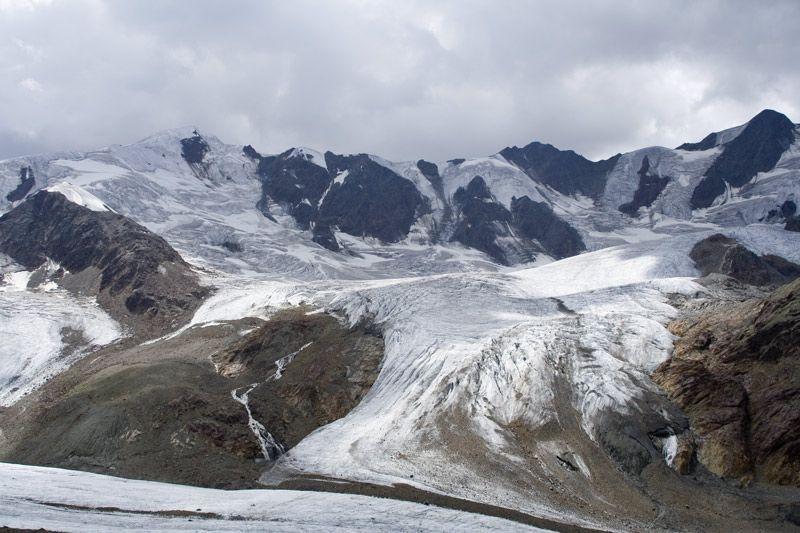 Ghiacciao dei Forni, Sopra S.Caterina Valfurva, è un ghiacciaio alpino di tipo Himalayano, con tre imponenti bacini.