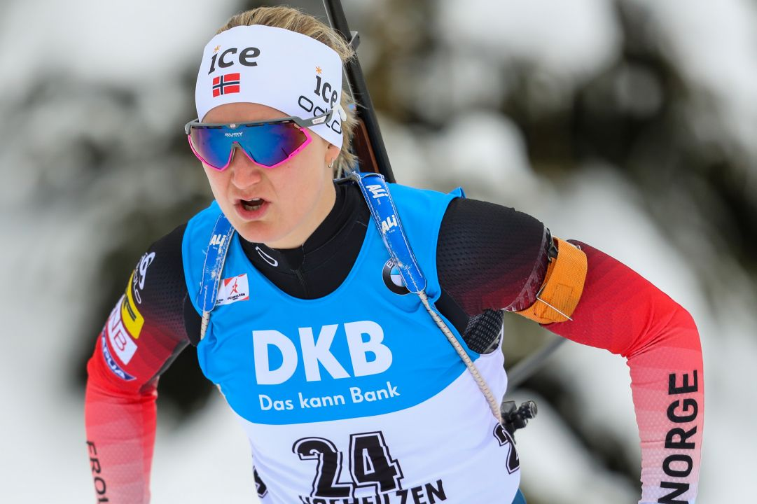 Marte Olsbu Roeiseland domina la Sprint di Oberhof, Wierer quarta