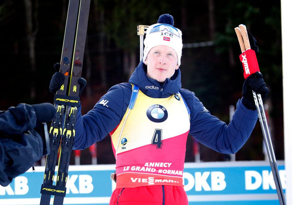 Johannes Boe spadroneggia nella Mass Start di Le Grand Bornand