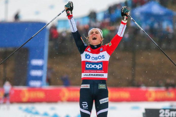 Therese Johaug vince il Lillehammer Triple e batte 50. Tris Norvegia tra i maschi