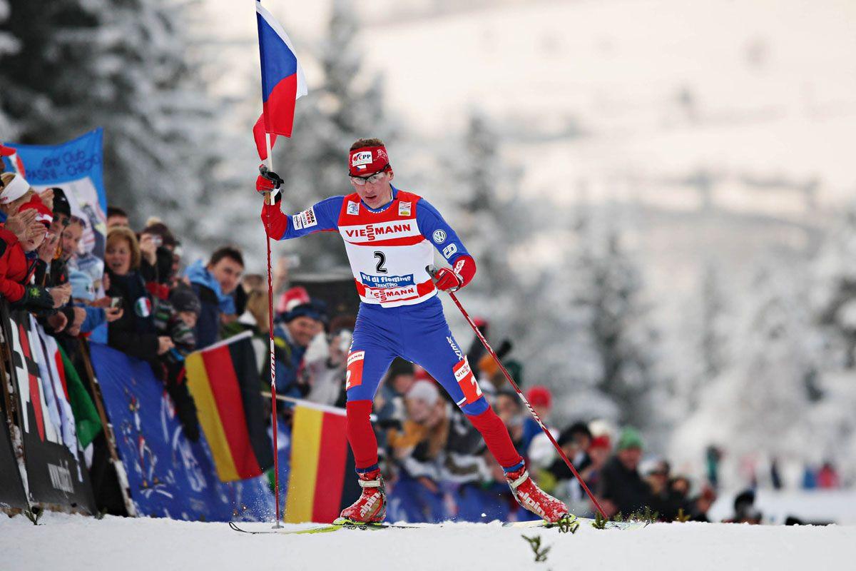 Arrivo di Luca Bauer all'edizione 2010 del Tour de Ski in Val di Fiemme © Newspower Canon