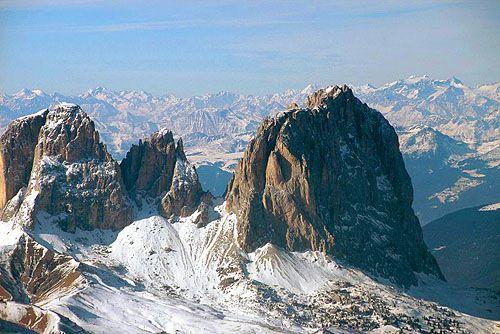 Idue giganti di roccia che dominano la val gardena visti dal sas prodoi