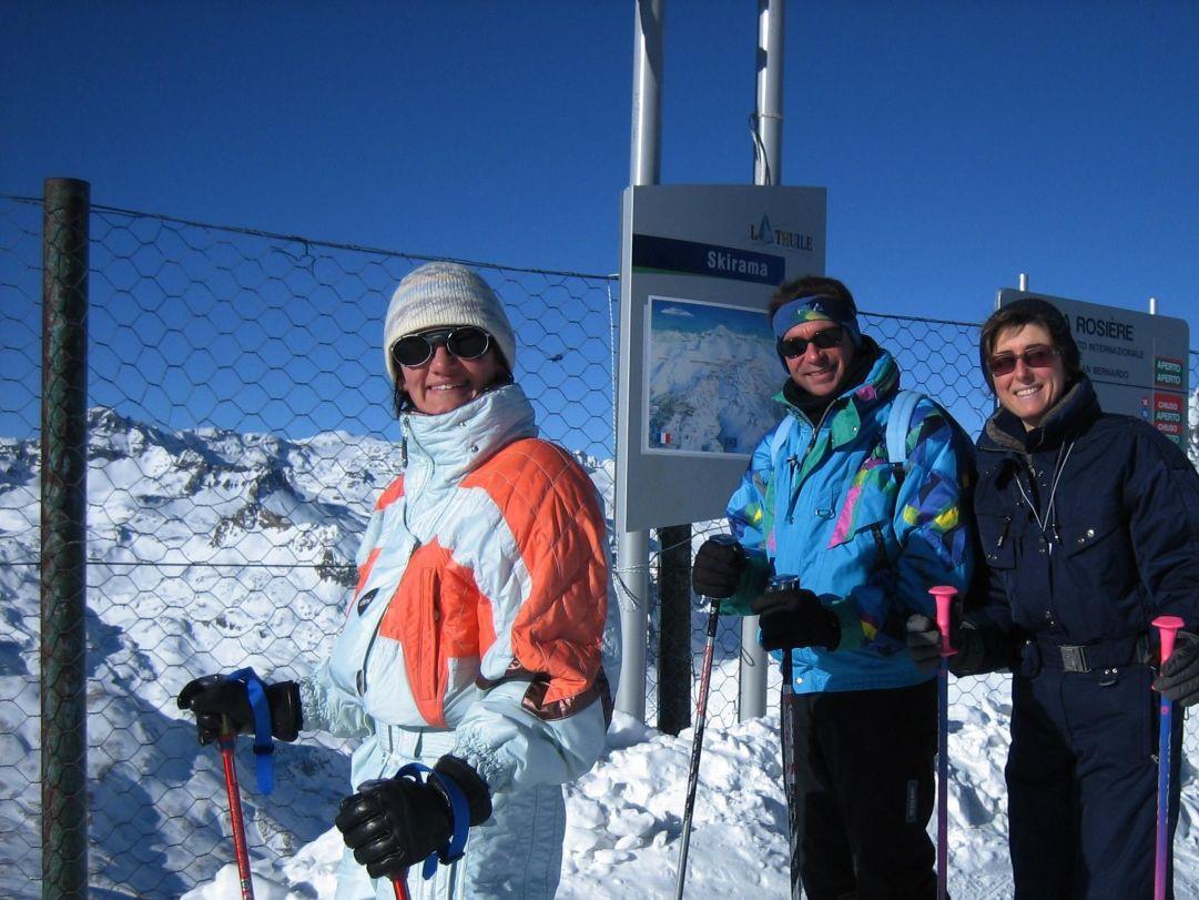 <div>Da sinistra: Laura, Lele e Beatrice. Indovinate chi scia peggio dei tre? Un indizio... è un uomo!</div><br />