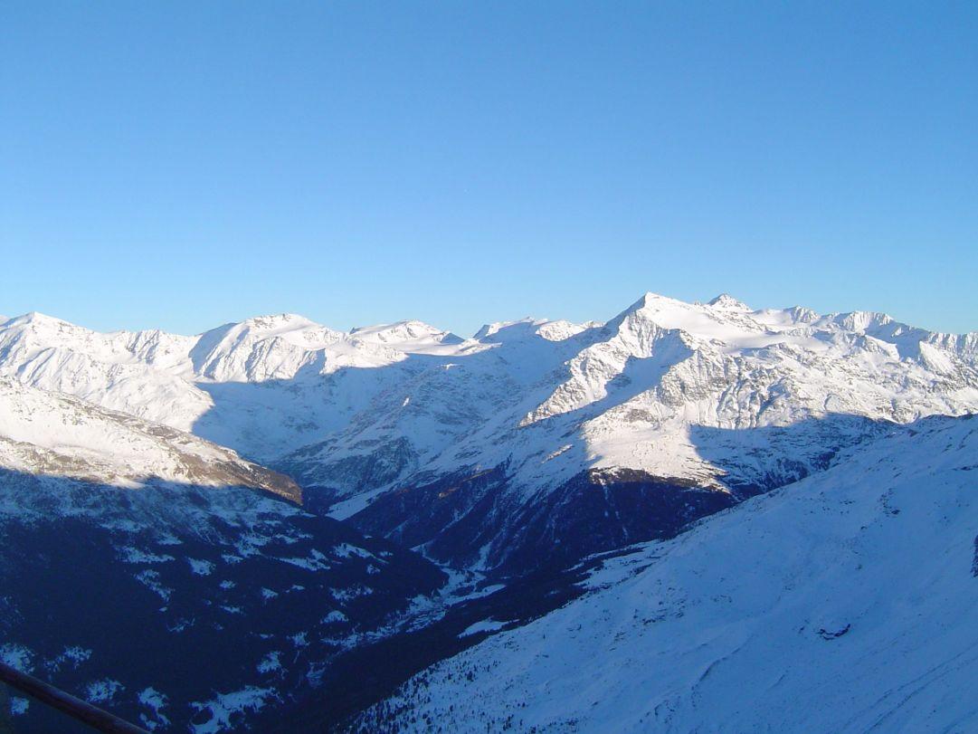 Panorama invernale della Valfurva da Bormio 3000<br />