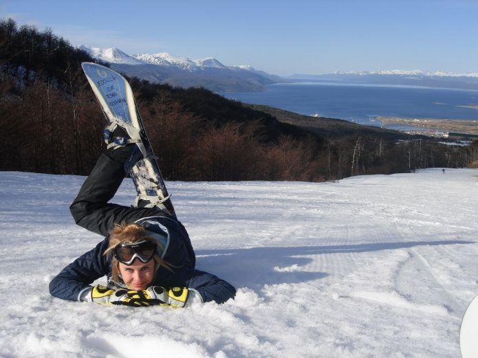 Snowboard vista mare a Ushuaia