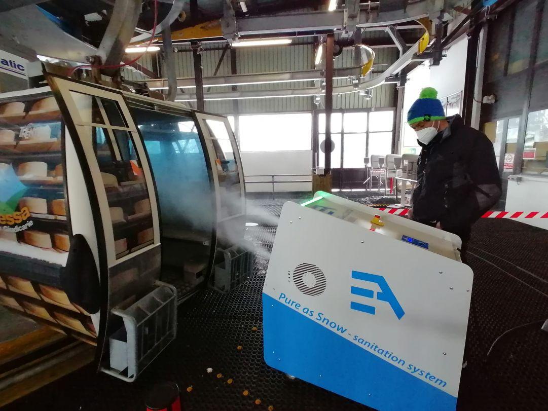 'Pure as snow', la macchina trentina che sanifica le cabinovie