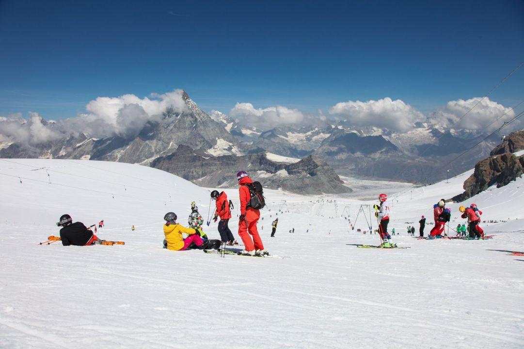 La Svizzera apre i confini con l'Italia. Il 20 giugno inizia la stagione dello sci estivo a Cervinia