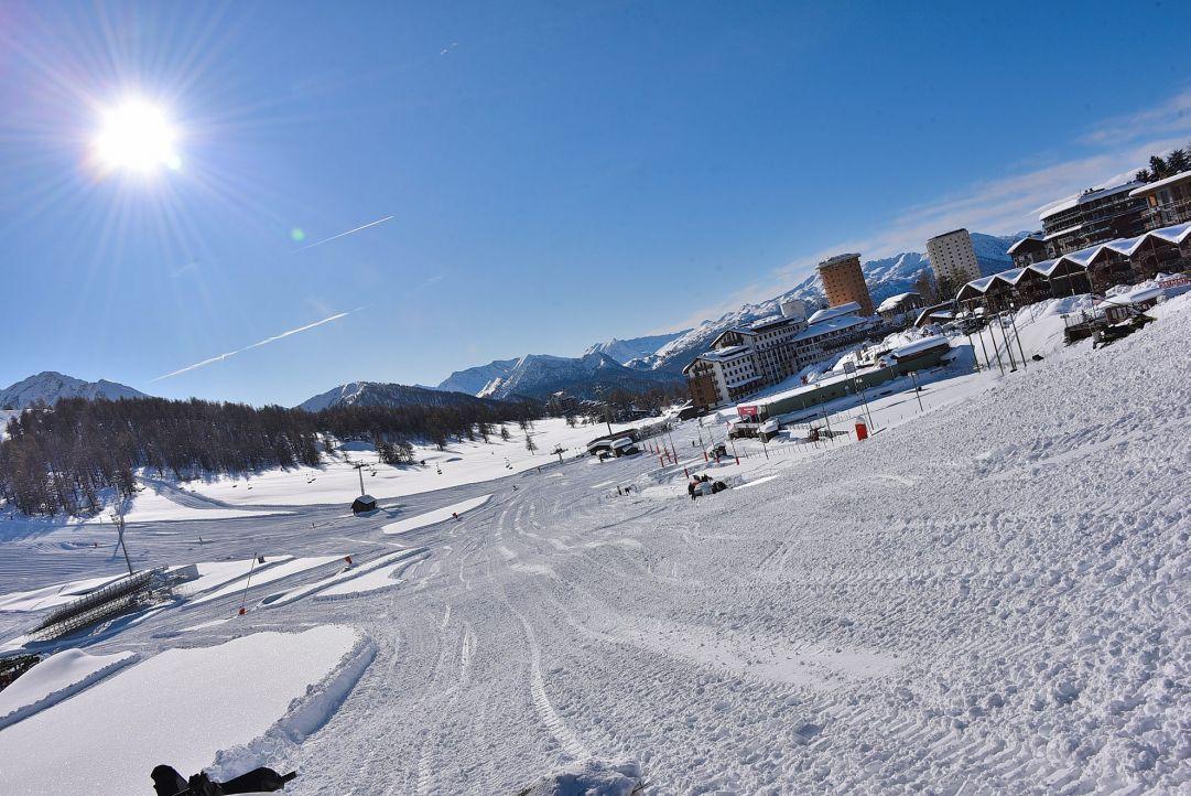 Sestriere anticipa l'apertura della stagione invernale. Si scia dal 30 novembre