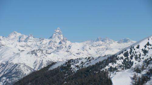 """Collegamento Val d'Ayas-Cervinia, il Comitato promotore: """"Favorevoli al progetto di fattibilità"""""""