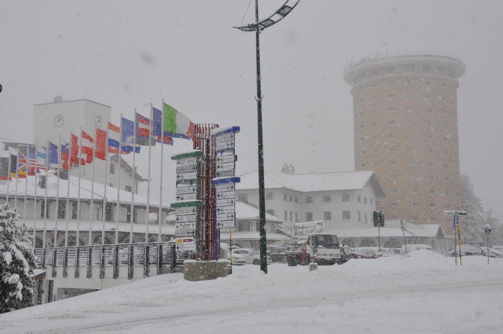 Martedì 25 ottobre ai 2.035 metri d'altitudine del Colle del Sestriere si sono registrati una ventina di centimetri di neve fresca in paese.