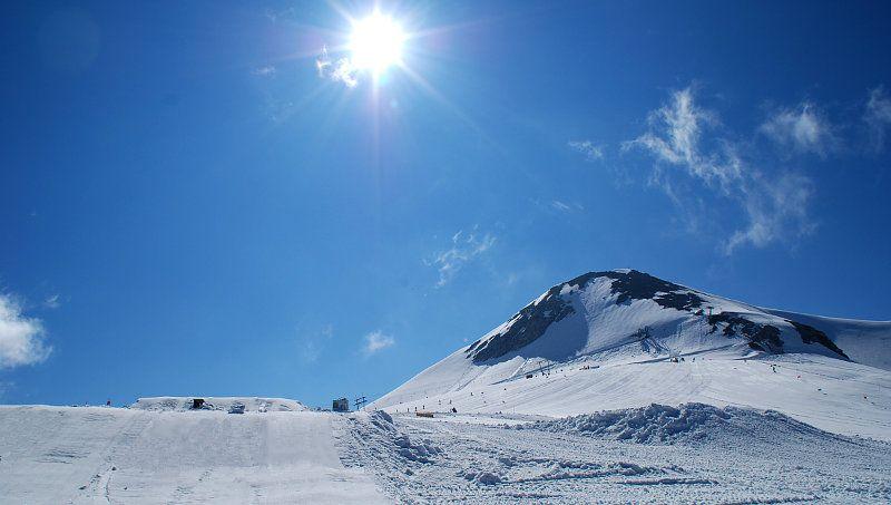 More info e aggiornamenti dal ghiacciaio: www.snowmotion.it www.facebook.it/snowmotion.it