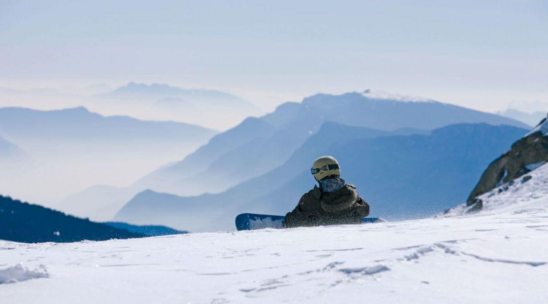 Snowboard sul ghiacciaio
