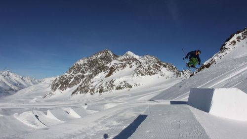 Free Style snowpark val Senales