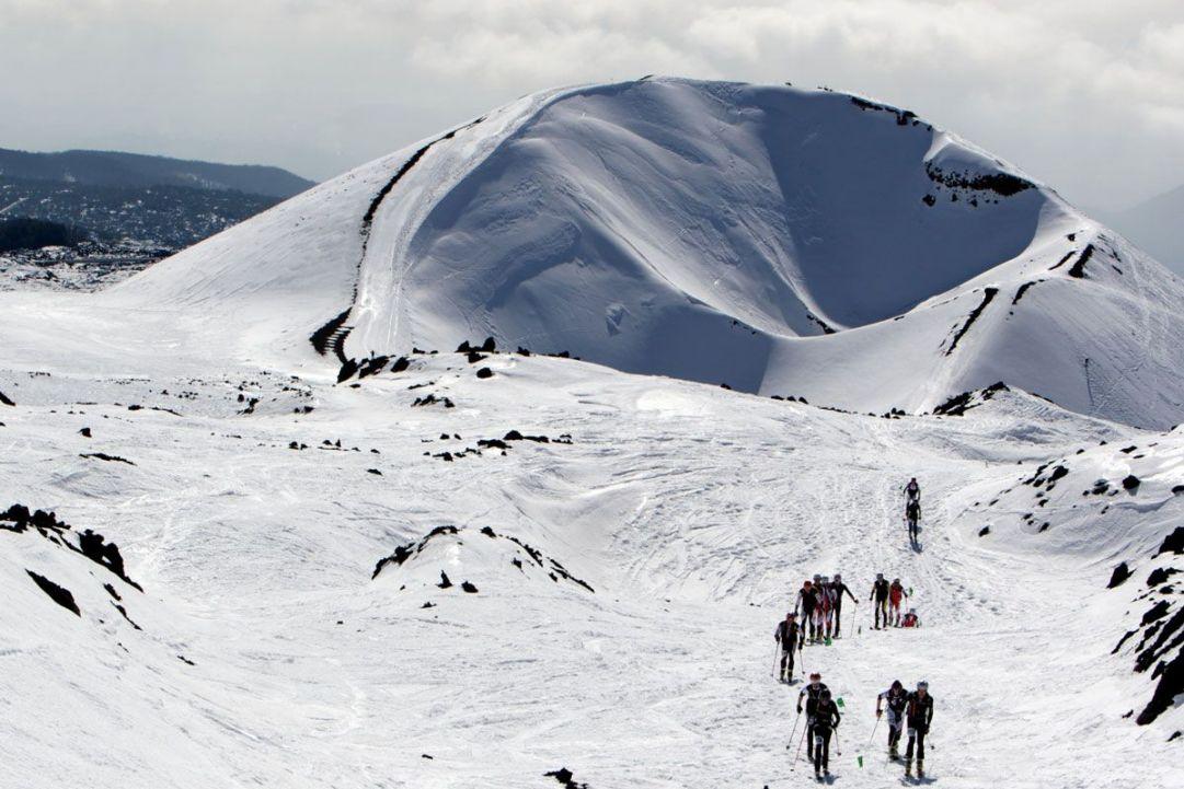 Panorama scialpinismo Etna con crateri