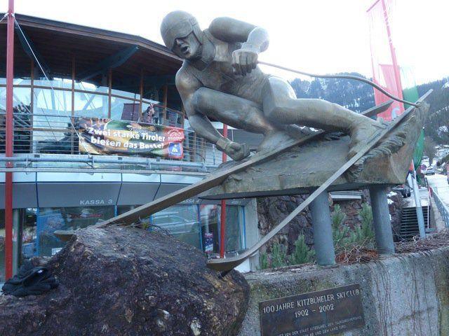 Sci club Kitzbuhel credit: FIS Alpine World Cup Tour