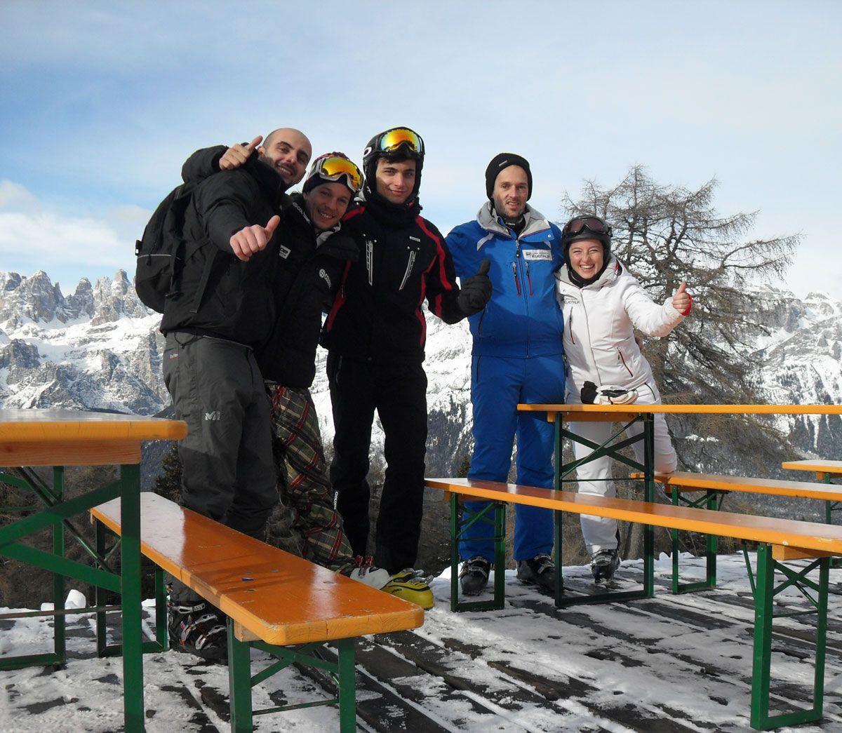 Francesco di Visit Trentino Manuel di APT Paganella Niccolò di Race ski Magazine Angelo e Cristina di Neveitalia