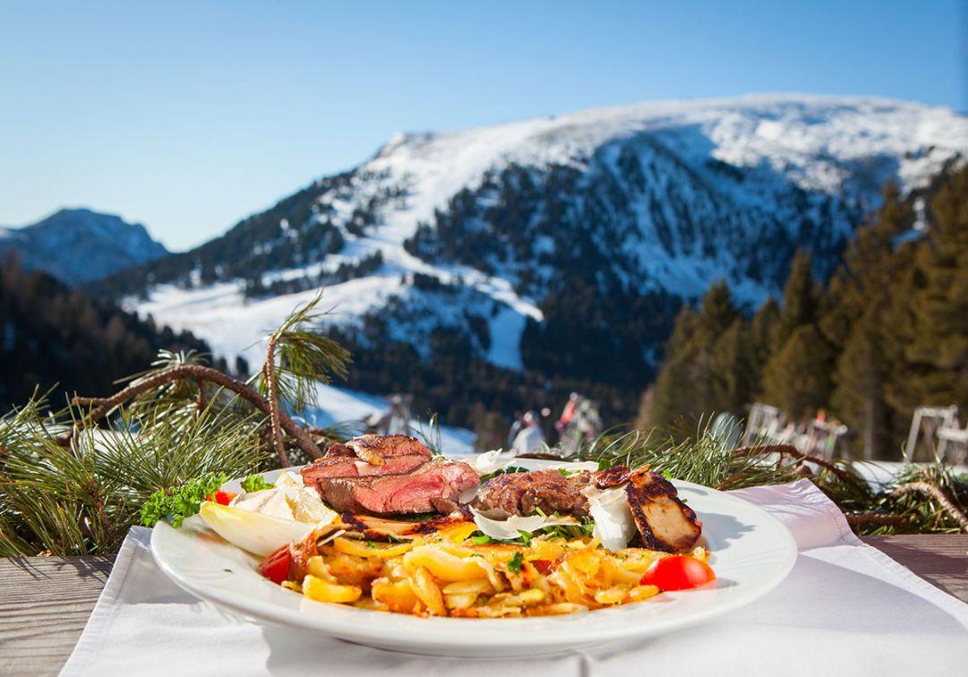 Beef & Snow: in Val d'Ega la rinomata Carne di manzo delle dolomiti si celebra sulla neve