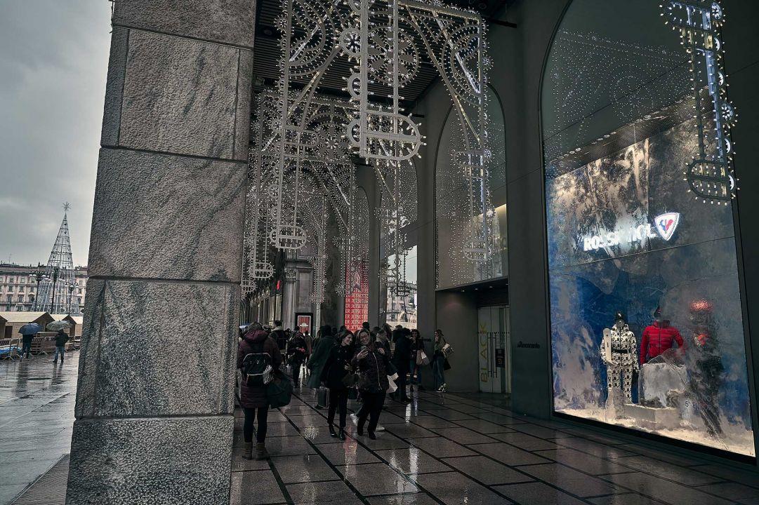 "Rossignol ""congela"" le vetrine della Rinascente in Duomo"