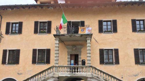 'Ammainiamo la bandiera dell'Unione Europea'. In montagna la protesta parte da Limone Piemonte
