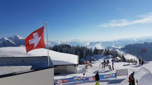 In Svizzera aumentano le restrizioni per il Coronavirus, ma gli impianti sciistici restano aperti