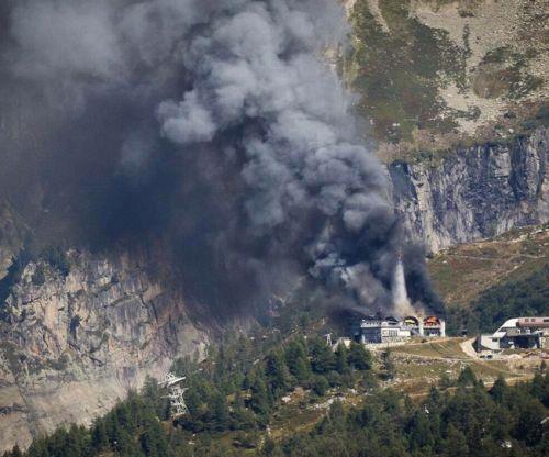 Incendio alla stazione intermedia della telecabina di Chamonix. Telecabine a terra, nessun ferito.
