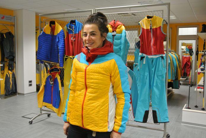 Anastasia prova le nuove giacche