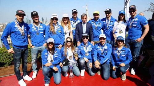 Festeggiati a Milano gli azzurri medagliati mondiali al Media Day della FISI
