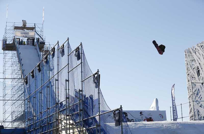 Anna Gasser e Markus Kleveland vincono i big air dello snowboard di Milano
