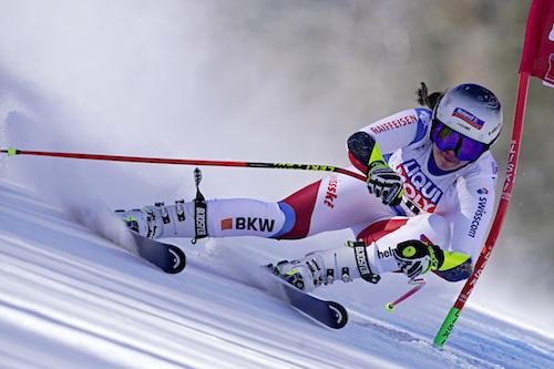 Sofia Goggia già la migliore delle azzurre nella prima prova di Garmisch-Partenkirchen dominata da Corinne Suter