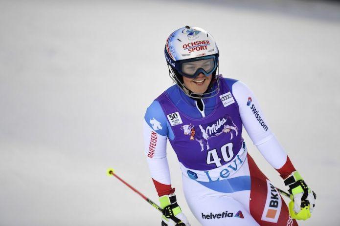 Primo successo in Coppa Europa per Mélanie Meillard che vince il primo dei due slalom in notturna di Bad Wiessee