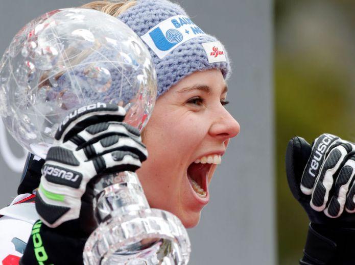 Nicole Schmidhofer si dà allo sci di velocità!