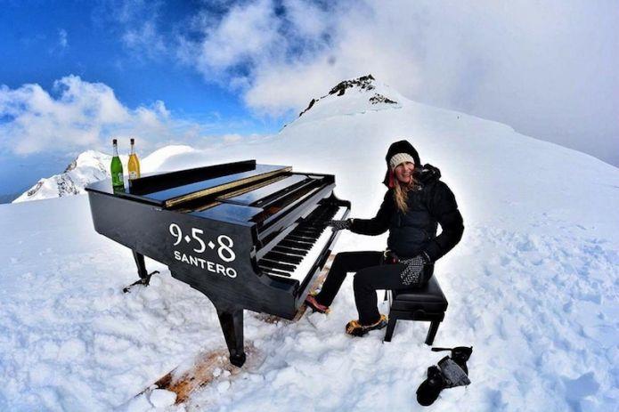 Concerto ad altitudine record per Elisa Tomellini: ha suonato il pianoforte sul Monte Rosa!