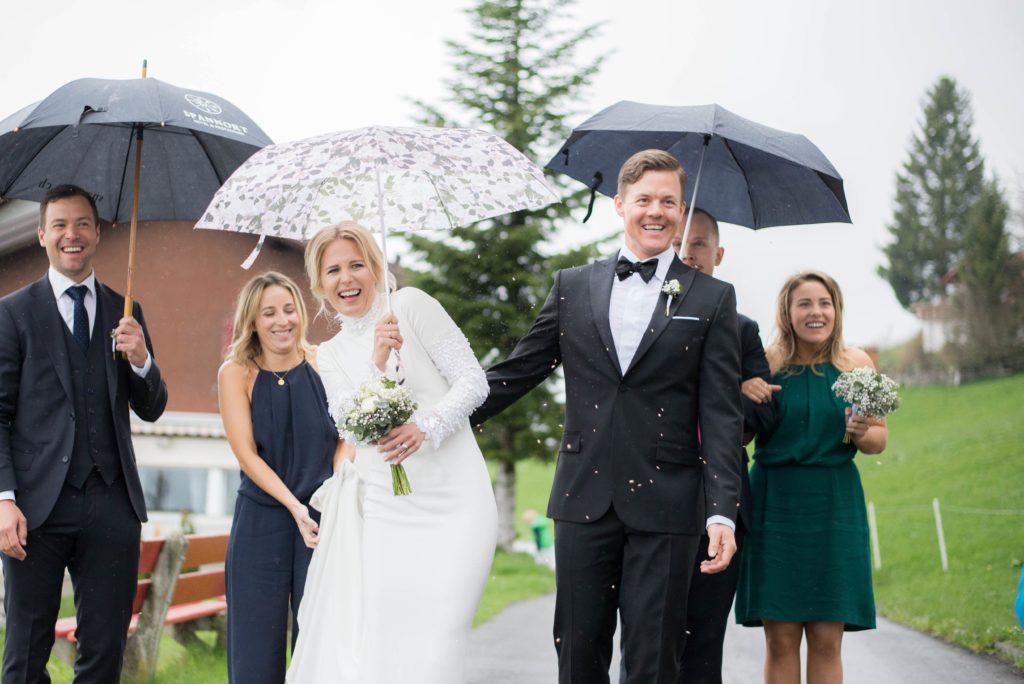 Travolta da una valanga la moglie di Mattias Hargin, la freerider Matilda Rapaport: è in coma
