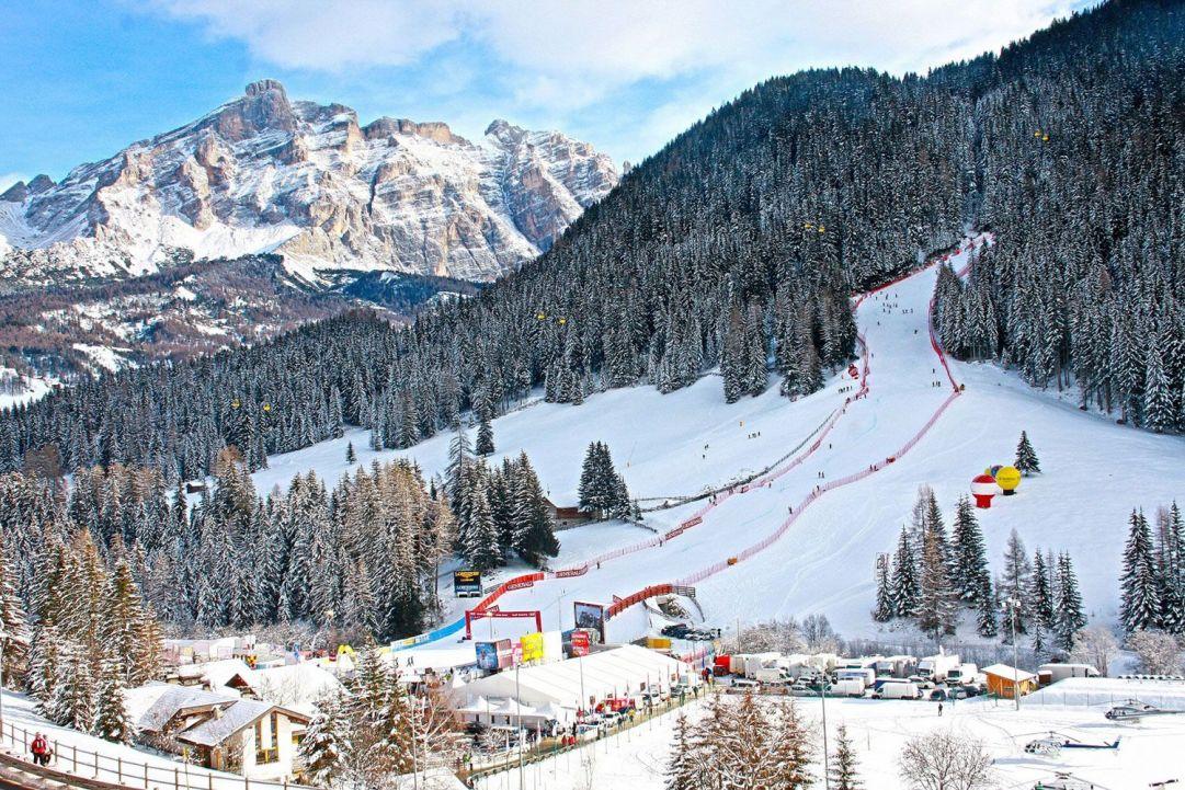 Il 16 e il 17 dicembre i campioni mondiali dello sci alpino si sfideranno nel tradizionale Slalom Gigante e nello Slalom Gigante Parallelo in notturna.