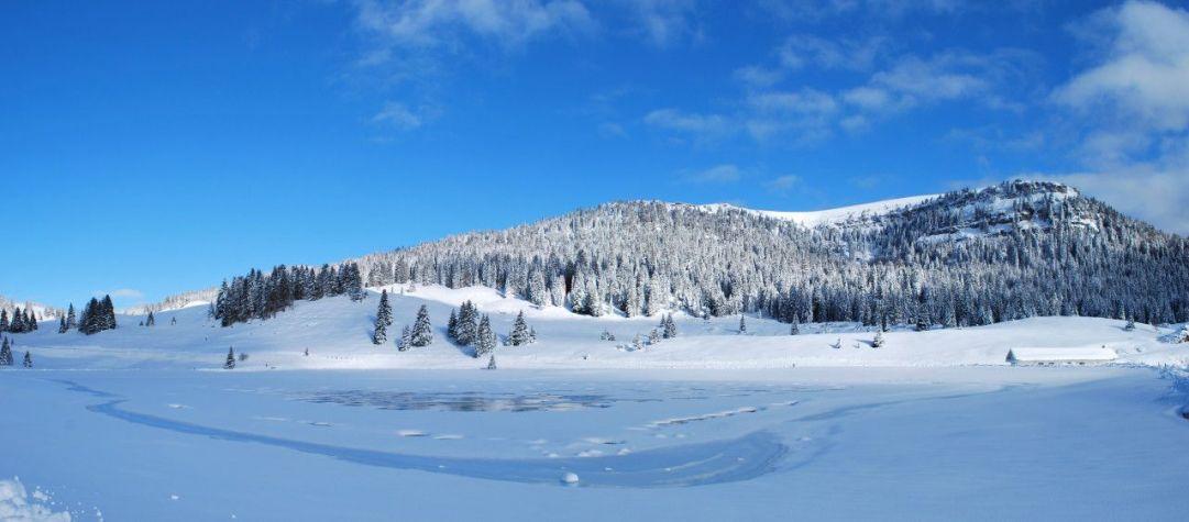 Il lago Coe è un lago artificiale creato per l'innevamento programmato