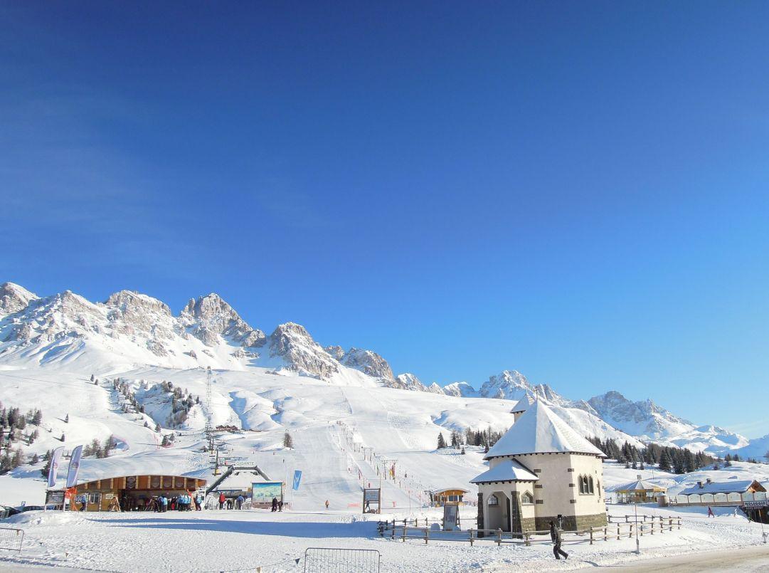 Spettacolo delle 9.00 del mattino al passo S.Pellegrino dopo la nevicata del giorno prima