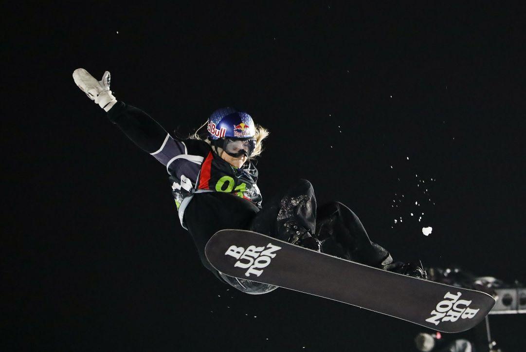 Lo scorso weekend a Skipass Modena Fiere è andata in scena una gara di Snowboard Big Air che ha visto al via tutto i migliori atleti del mondo. Niente da fare per Anna Gasser che si è dovuta accontentare del terzo gradino del podio  Photo by: Michele Dardanelli