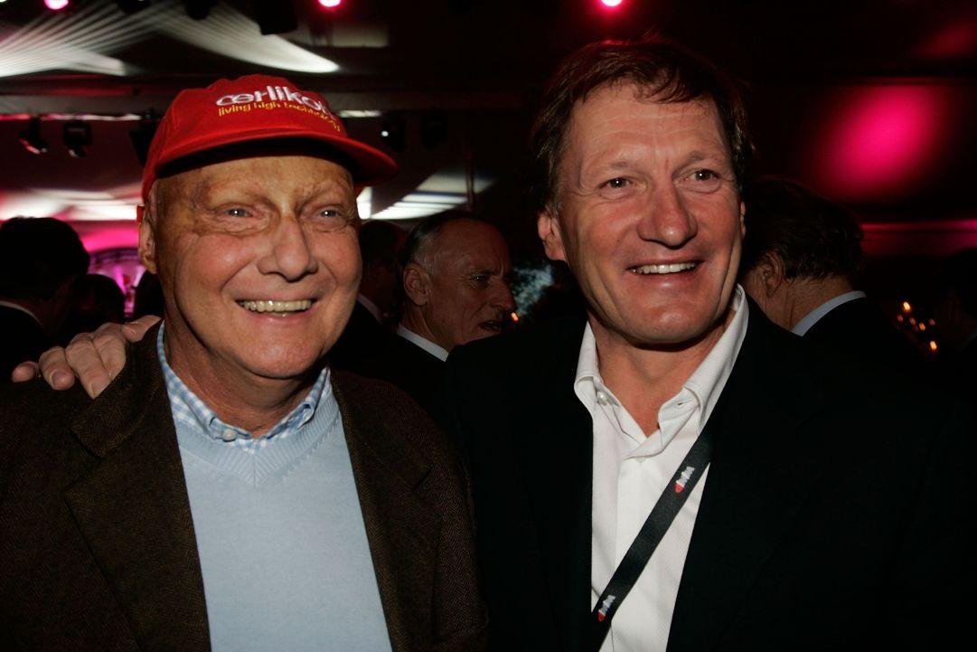Niki Lauda ed il più forte discesista di tutti i tempi Franz Klammer. I due erano grandi amici. Niki fu ospite di Klammer in occasione del sessantesimo compleanno del carinziano