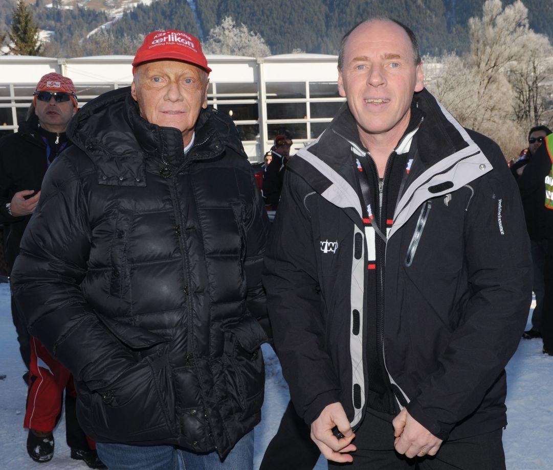 Niki Lauda in compagnia di Harti Weirather padre di Tina e vincitore del titolo mondiale di discesa a Schladming 1982